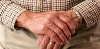 Drętwienie nóg i rąk – jakie mogą być przyczyny?