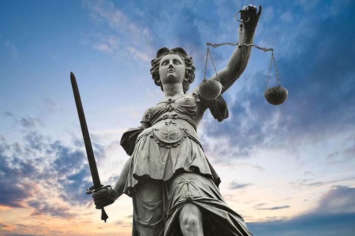 Jaką obsługę prawną firm warto wybrać?