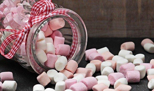 czy jedzenie słodyczy jest zdrowe?